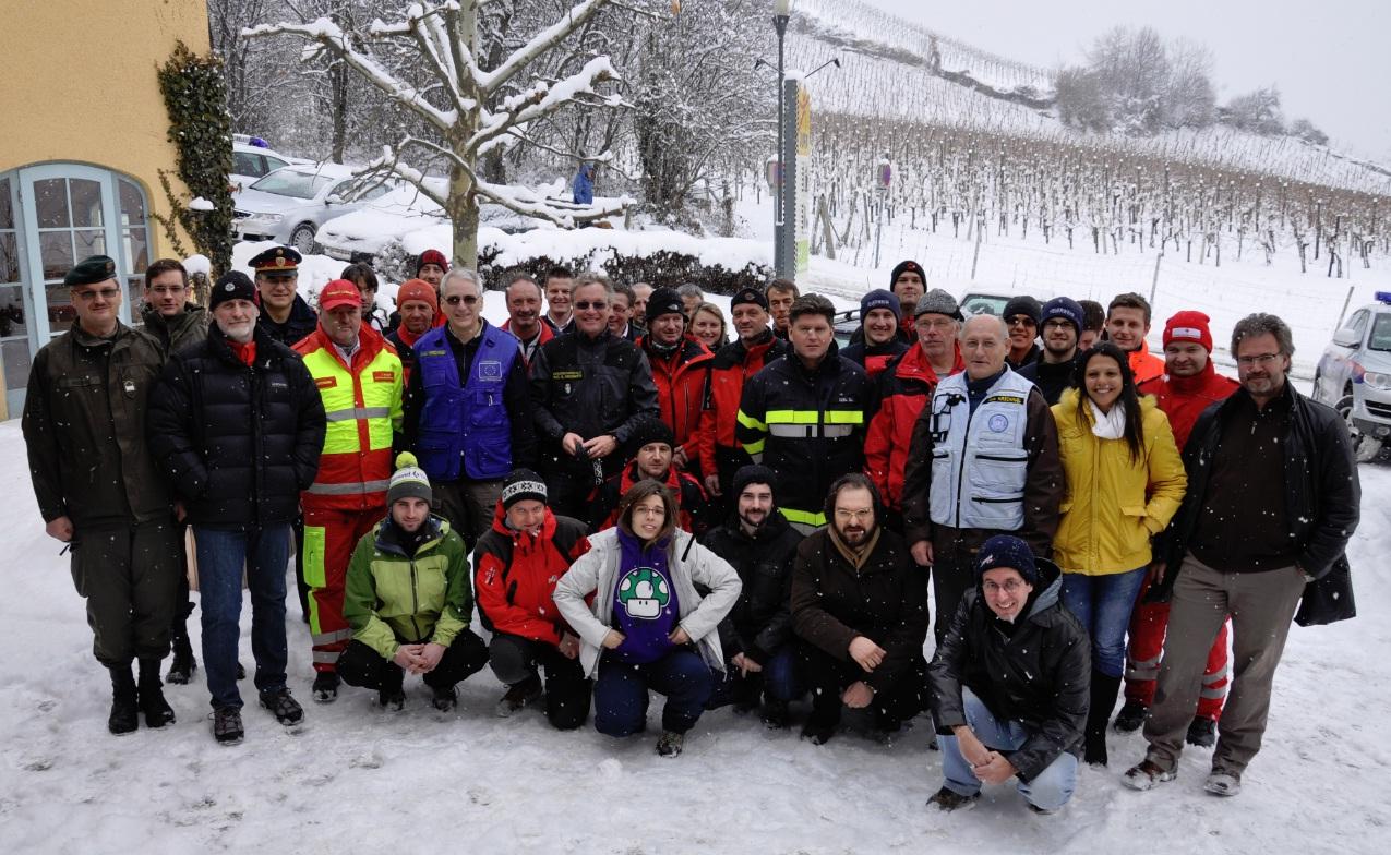 Gruppenbild der Teilnehmer bei der Abschlussübung von GEO-PICTURES in der Steiermark